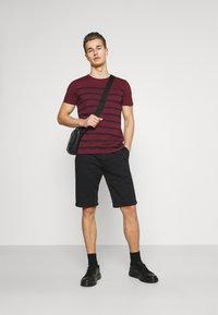 TOM TAILOR DENIM - Shorts - black - 1