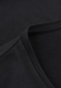 Phyne - T-shirt basique - black - 4