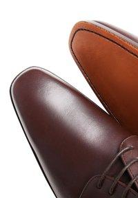 SHOEPASSION - NO. 534 - Smart lace-ups - dark brown - 3