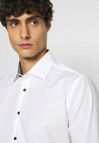 Seidensticker - BUSINESS KENT PATCH - Formal shirt - weiß - 3