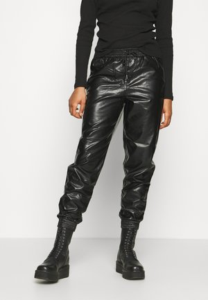 ONLMADY CALLEE - Pantalon de survêtement - black