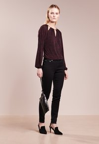 MICHAEL Michael Kors - SELMA SKINNY - Jeans Skinny Fit - black - 1
