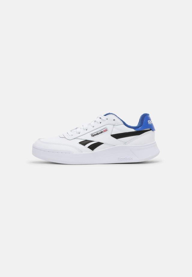 CLUB C LEGACY REVENGE  - Sneakersy niskie - white/core black/court blue