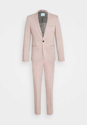 GOTHENBURG SUIT - Completo - dusty pink