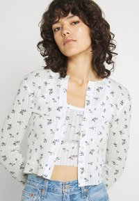 BDG Urban Outfitters - DITSY FLORAL TWIN SET - Cardigan - white - 3