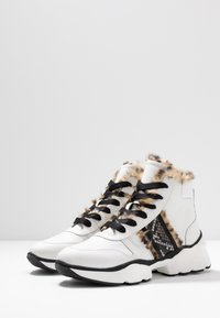 Maripé - Ankle boots - bianco/nero - 4