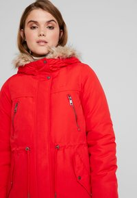 Vero Moda - VMAGNES BREEZE - Parka - chinese red - 5
