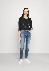 True Religion - HIGHRISE HALLE - Jeans Skinny Fit - denim blue - 1