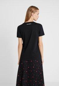 KARL LAGERFELD - Print T-shirt - black - 2