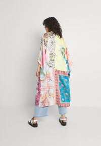Free People - PATCHED WITH LOVE ROBE - Kevyt takki - magic combo - 2
