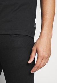 Calvin Klein - COLOR BLOCK LOGO - Printtipaita - white - 3