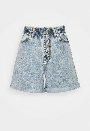 PLEAT WAIST BAND HIGHWAISTED - Denim shorts - blue