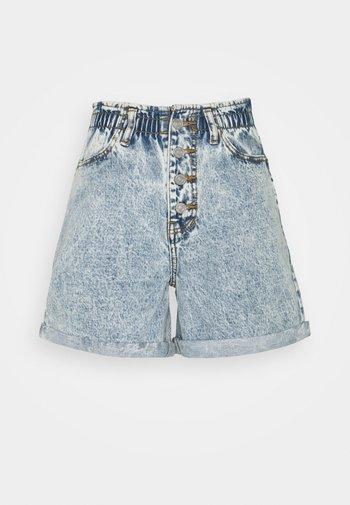 PLEAT WAIST BAND HIGHWAISTED - Shorts di jeans - blue