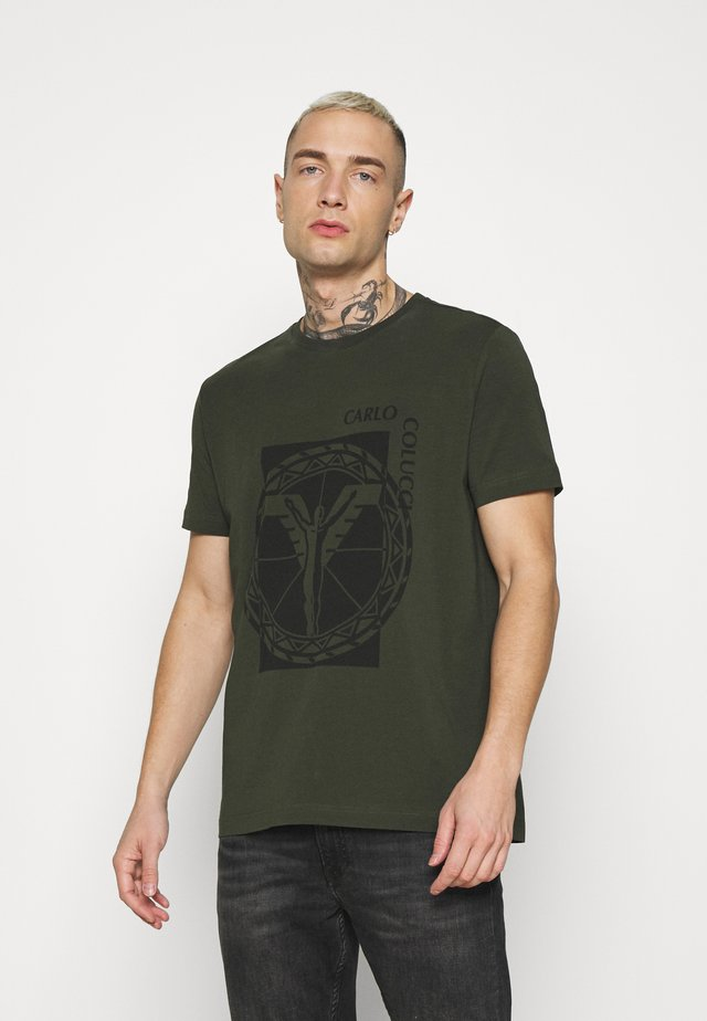 BIG LOGO - T-shirt con stampa - oliv