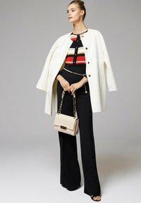 Luisa Spagnoli - Classic coat - panna - 1