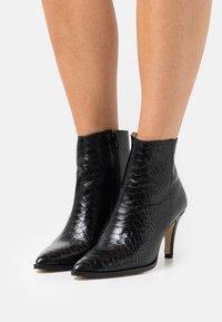San Marina - MEEN BOA - Kotníkové boty - noir - 0