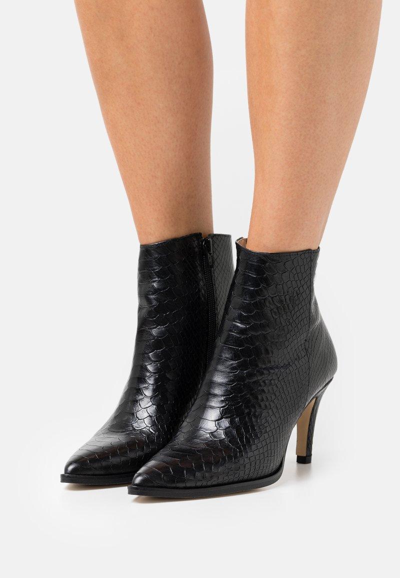 San Marina - MEEN BOA - Kotníkové boty - noir
