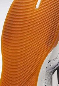 Reebok - LEGACY LIFTER II SHOES - Neutral running shoes - black - 9