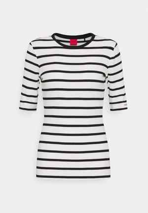 NILARA - Print T-shirt - white
