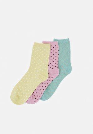 PCSEBBY GLITTER LONG PATTERN  3 PACK  - Ponožky - desert sage