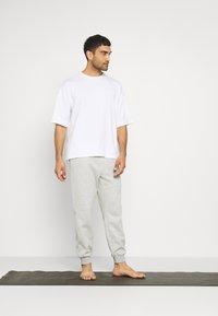 NU-IN - OVERSIZED CREW NECK - T-paita - white - 1