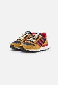 adidas Originals - ZX 500 UNISEX - Trainers - mesa/scarlet/legend ink - 1