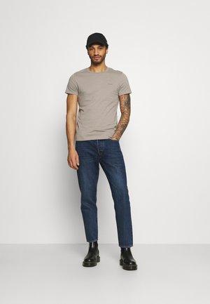 SLIM FIT 2 PACK - Basic T-shirt - elephant skin/white