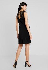 Vero Moda - VMALBERTA DRESS - Jerseykleid - black - 0