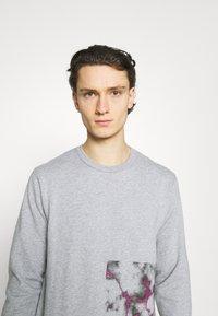 YAVI ARCHIE - BARCODE - Sweatshirt - grey - 3