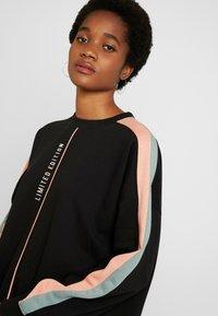 Missguided - OVERSIZED SWEATER DRESS BLOCK - Vestito estivo - black - 4