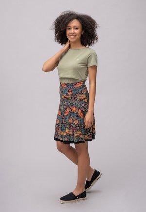 A-line skirt - family bird