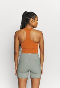 Casall - BOLD CROP TANK - Top - hazel brown - 2