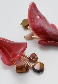 ONLY - ONLYASMIN EARRINGS - Korvakorut - goji berry - 4