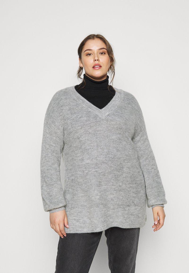 Vero Moda Curve - VMTUVILMA LONG SLIT - Jumper - light grey