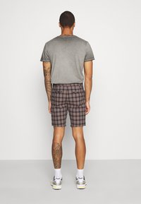 River Island - Shorts - brown/navy - 2