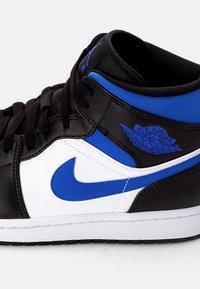 Jordan - AIR 1 MID - Korkeavartiset tennarit - white/racer blue black - 5