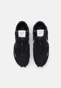 Nike Sportswear - DBREAK TYPE UNISEX - Trainers - black/white - 5
