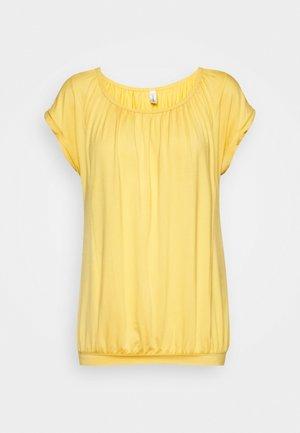 MARICA  - Basic T-shirt - yellow