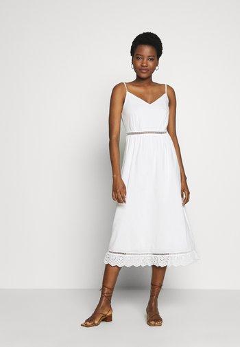 BEYAZ - Robe d'été - white