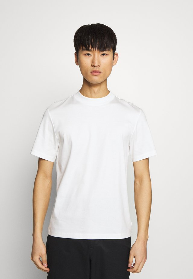 ACE SMOOTH - Basic T-shirt - white