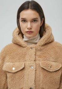 PULL&BEAR - MIT KAPUZE - Winter jacket - brown - 4
