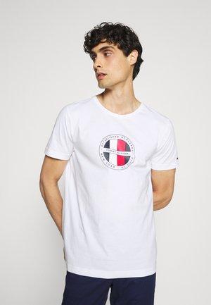 CIRCULAR LOGO  - T-shirt con stampa - white
