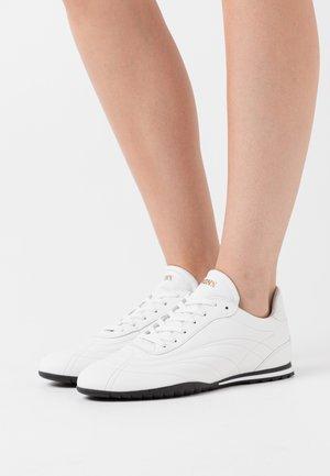 SAN SAI - Sneakersy niskie - white