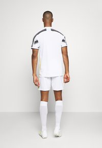 adidas Performance - JUVENTUS AEROREADY SPORTS FOOTBALL SHORTS - Sports shorts - white - 2