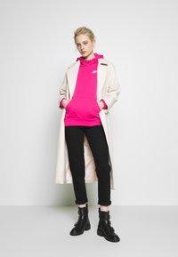 Nike Sportswear - HOODIE - Sweat à capuche - watermelon - 1