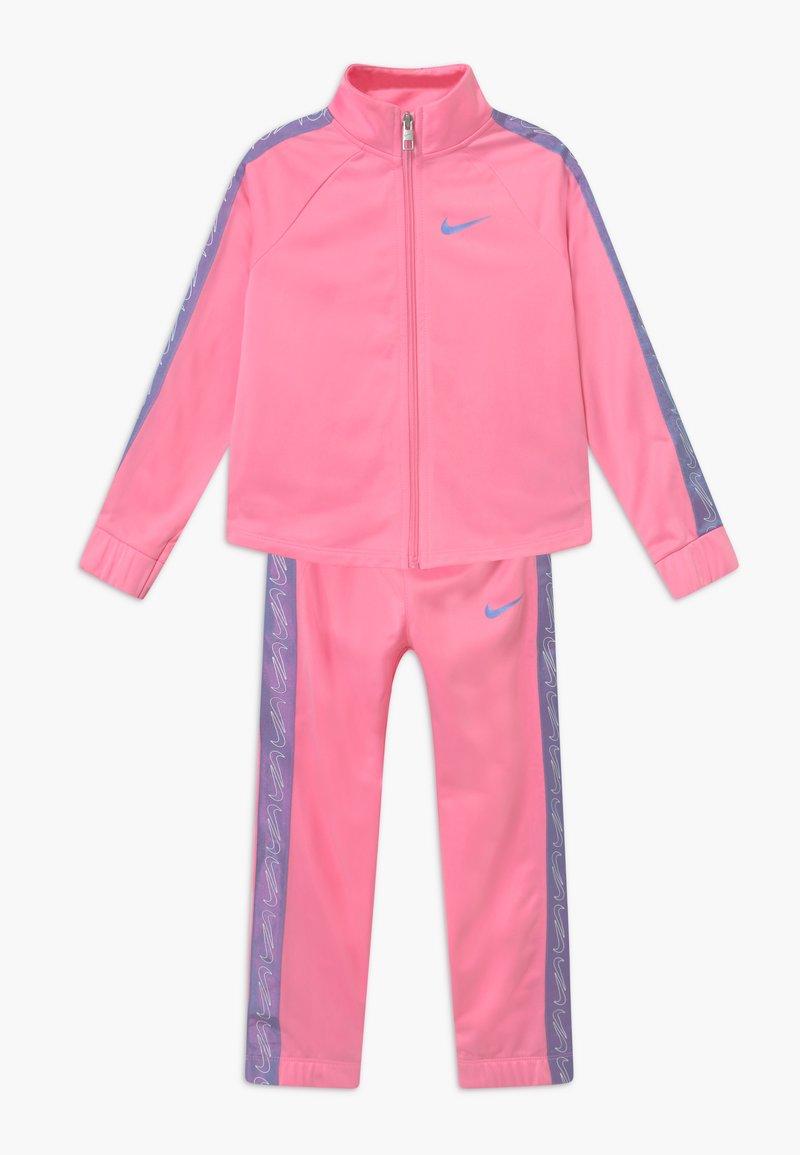Nike Sportswear - COLORSHIFT TAPING TRICOT SET - Tepláková souprava - pink