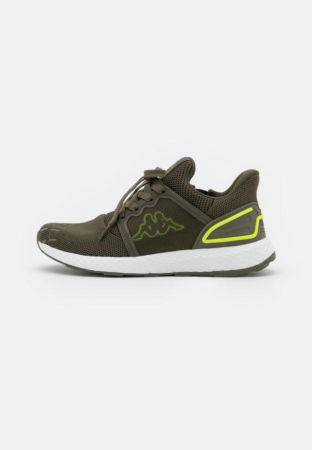 ETAL UNISEX - Chaussures d'entraînement et de fitness - army/lime