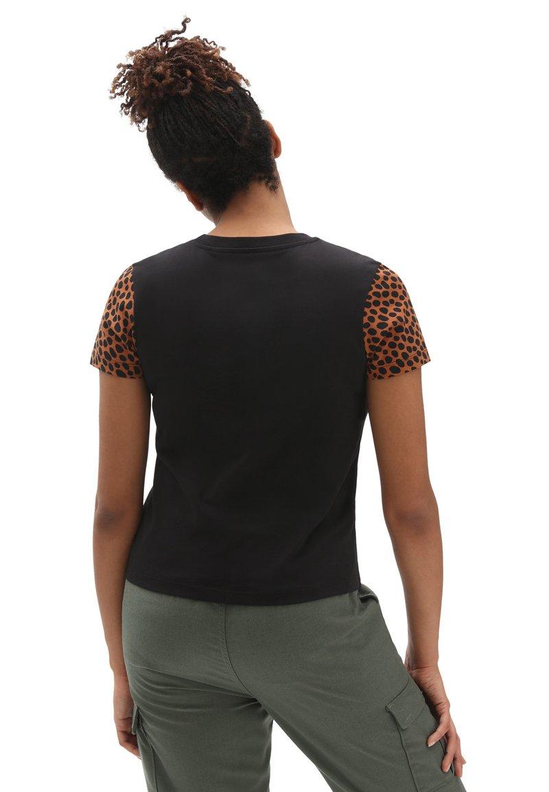 Vans - WM WILD COLORBLOCK - Print T-shirt - black/animal spot