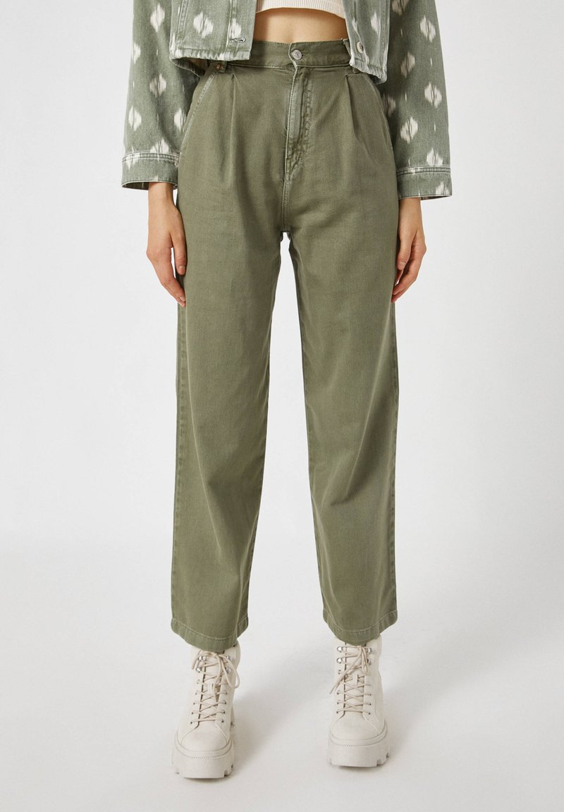 PULL&BEAR - Flared Jeans - green