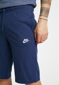 Nike Sportswear - CLUB - Pantalon de survêtement - midnight navy/white - 4